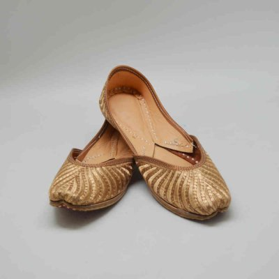 Indian Ethnic Footwear (Mojari)