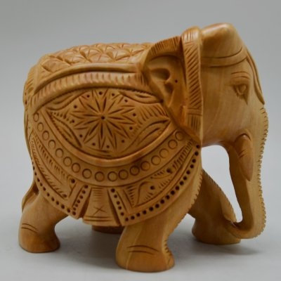 Whitewood Diamond Cut Carving Elephant