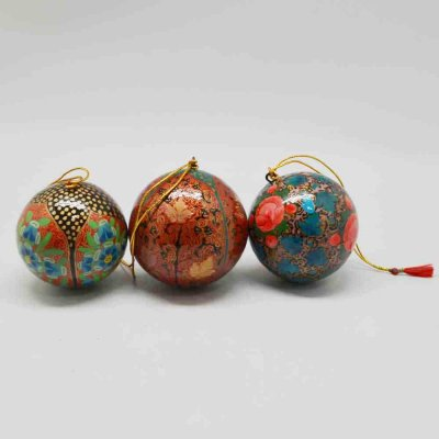 Paper Machie set of 3 Decorative Balls