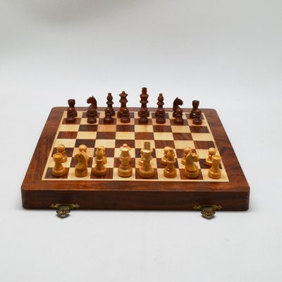 Folding Magnetic Chess Set
